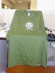 绿色的超大号T恤